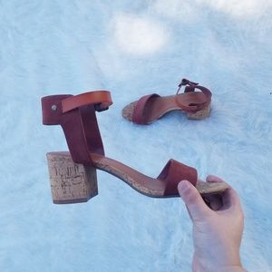 American Eagle heeled sandal